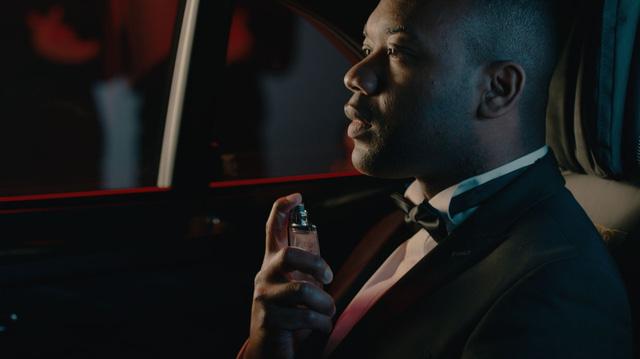 Làm nước hoa mùi như ô tô mới, hãng khẳng định đây chính là mùi vị của thành công