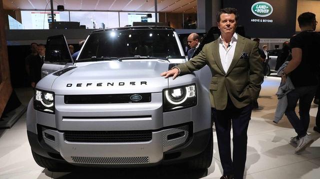 Land Rover Defender bị chỉ trích dữ dội, nhà thiết kế đáp trả: 'Hoài cổ là chết'