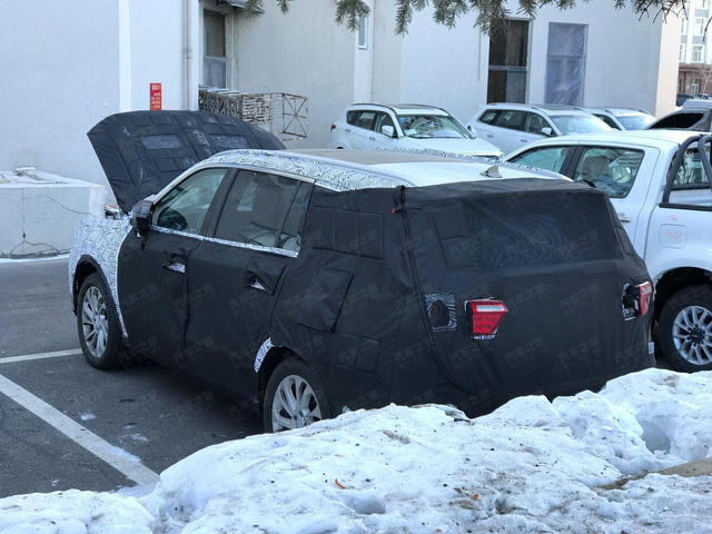 Lộ diện Ford Everest thế hệ mới: Lột xác ngỡ ngàng, tiệm cận xe sang, đe doạ Toyota Fortuner - Ảnh 1.