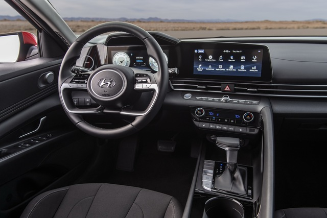 Ra mắt Hyundai Elantra hoàn toàn mới: Đẹp xuất sắc, đe nẹt Mazda3 - Ảnh 7.