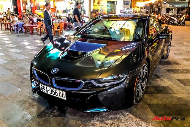 Cộng đồng mạng chê lỗi thời, BMW i8 của đại gia Cà Mau vẫn gây ấn tượng nhờ chi tiết này - Ảnh 1.