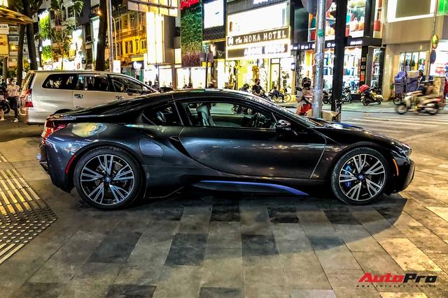 Cộng đồng mạng chê lỗi thời, BMW i8 của đại gia Cà Mau vẫn gây ấn tượng nhờ chi tiết này - Ảnh 5.