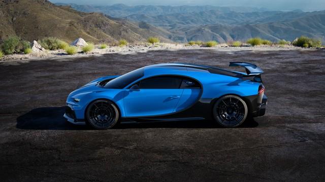 Ra mắt xe thời Covid-19: Dàn lãnh đạo Bugatti chào hàng siêu phẩm Chiron Pur Sport mới - Ảnh 1.
