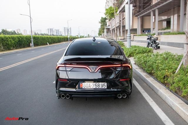 Chủ xe chi 100 triệu đồng độ VinFast Lux A2.0 phong cách thể thao tại Sài Gòn - Ảnh 8.