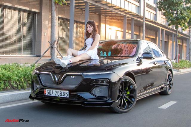 Chủ xe chi 100 triệu đồng độ VinFast Lux A2.0 phong cách thể thao tại Sài Gòn - Ảnh 1.