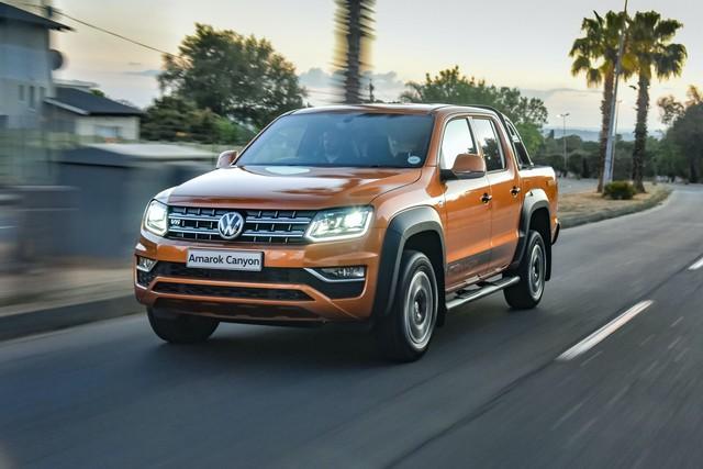 Volkswagen Amarok - Bán tải chung khung gầm Ford Ranger lộ diện - Ảnh 1.
