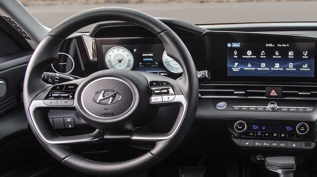 Chi tiết lạ trên Hyundai Elantra 2021 được lý giải, ai nghe cũng phải ngỡ ngàng