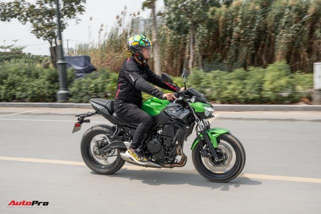 Đánh giá Kawasaki Z650: Naked bike cỡ trung đạt tiêu chí Ngon, bổ, nhưng tạm rẻ - Ảnh 2.