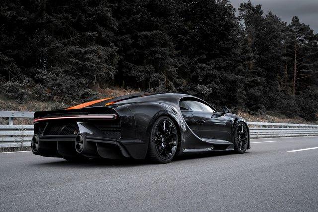 Choáng ngợp trước dàn Bugatti với toàn siêu phẩm quý hiếm trị giá hàng trăm triệu USD tụ họp - Ảnh 4.