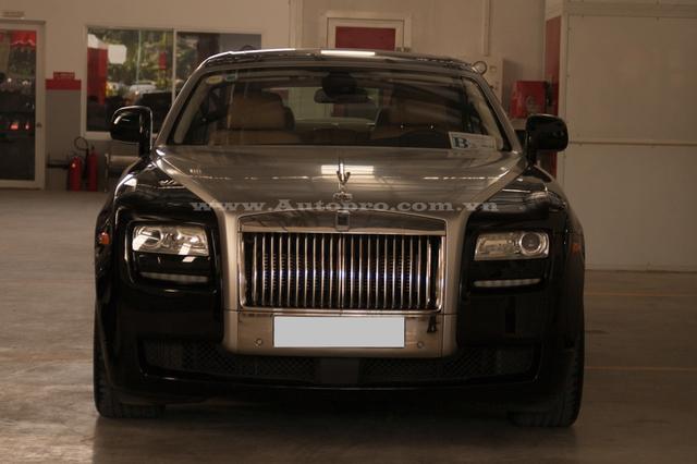 Ủng hộ 36 tỷ cho nhà nước, vua hàng hiệu Johnathan Hạnh Nguyễn còn gây choáng với bộ sưu tập xe tiền tỷ - Ảnh 1.