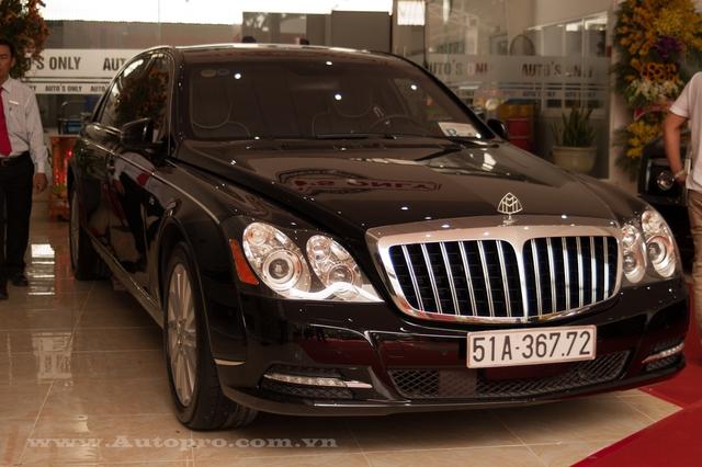 Ủng hộ 36 tỷ cho nhà nước, vua hàng hiệu Johnathan Hạnh Nguyễn còn gây choáng với bộ sưu tập xe tiền tỷ - Ảnh 4.