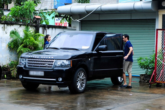 Ủng hộ 36 tỷ cho nhà nước, vua hàng hiệu Johnathan Hạnh Nguyễn còn gây choáng với bộ sưu tập xe tiền tỷ - Ảnh 14.