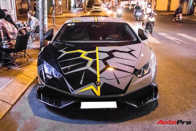 Cận cảnh Lamborghini Huracan độ Mansory lột xác với phong cách rạn nứt tại Sài Gòn - Ảnh 1.