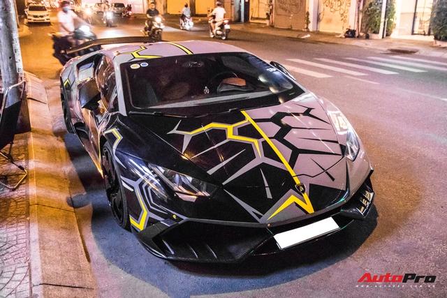 Cận cảnh Lamborghini Huracan độ Mansory lột xác với phong cách rạn nứt tại Sài Gòn - Ảnh 3.