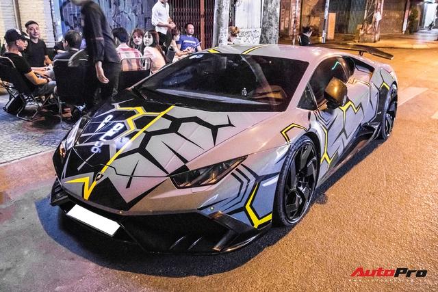 Cận cảnh Lamborghini Huracan độ Mansory lột xác với phong cách rạn nứt tại Sài Gòn - Ảnh 4.
