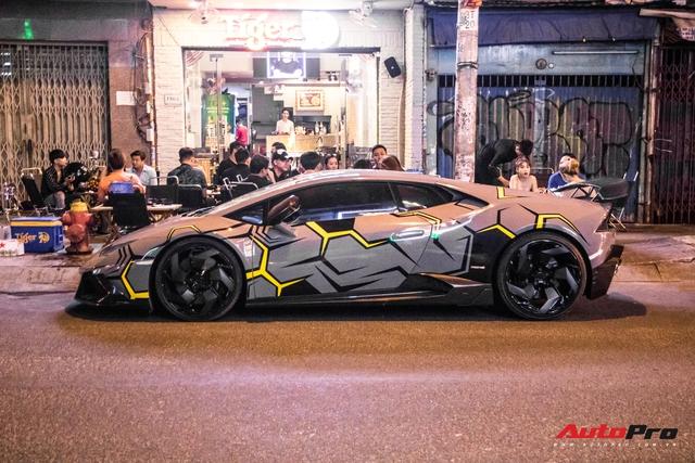 Cận cảnh Lamborghini Huracan độ Mansory lột xác với phong cách rạn nứt tại Sài Gòn - Ảnh 10.