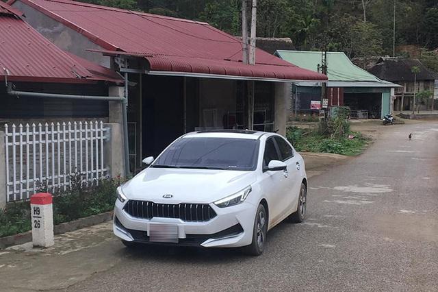 Kia Cerato đầu như Maserati bất ngờ xuất hiện tại Việt Nam, nguồn gốc gây tranh cãi - Ảnh 1.