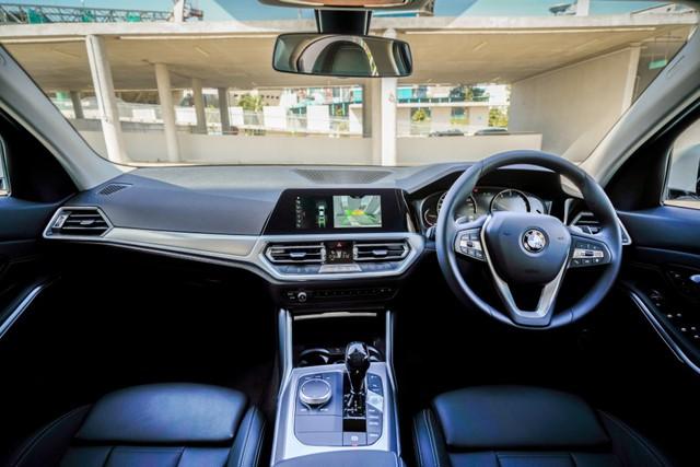 Tiết lộ trang bị 2 phiên bản BMW 320i 2020 sắp bán tại Việt Nam, giá từ 1,8 tỷ đồng, cạnh tranh Mercedes-Benz C 300 AMG - Ảnh 3.
