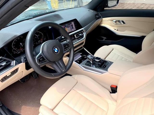 Tốn 233 triệu độ option xịn xò, chủ xe BMW 330i M Sport bán ngang giá mua mới khi vừa chạy 3.300 km - Ảnh 3.