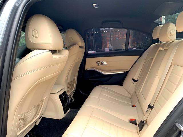 Tốn 233 triệu độ option xịn xò, chủ xe BMW 330i M Sport bán ngang giá mua mới khi vừa chạy 3.300 km - Ảnh 5.