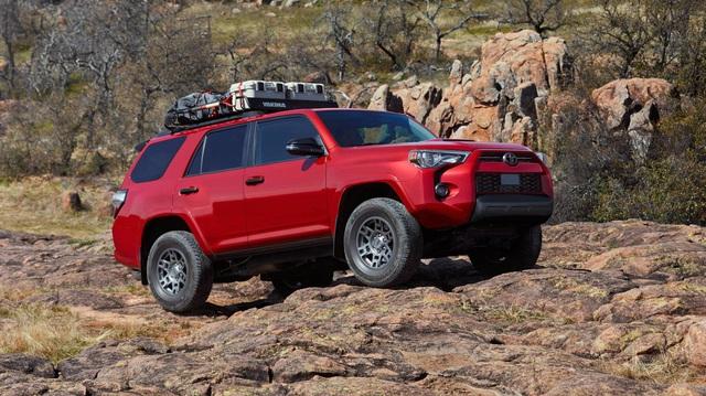 Toyota lộ tiến trình ra mắt xe mới: Có 2 xe gầm cao hoàn toàn mới và Camry mới