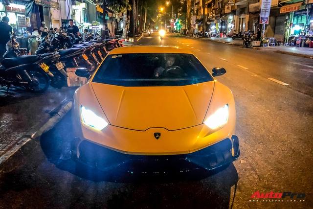Tiếp tục đổi chủ, Lamborghini Huracan từng của doanh nhân Nguyễn Quốc Cường trở về màu sơn nguyên bản - Ảnh 1.