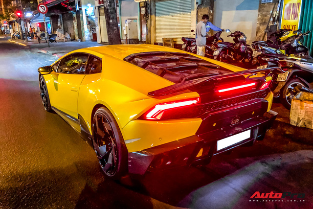 Tiếp tục đổi chủ, Lamborghini Huracan từng của doanh nhân Nguyễn Quốc Cường trở về màu sơn nguyên bản - Ảnh 5.