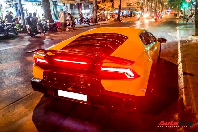 Tiếp tục đổi chủ, Lamborghini Huracan từng của doanh nhân Nguyễn Quốc Cường trở về màu sơn nguyên bản - Ảnh 7.