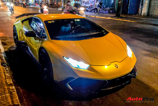 Tiếp tục đổi chủ, Lamborghini Huracan từng của doanh nhân Nguyễn Quốc Cường trở về màu sơn nguyên bản - Ảnh 8.