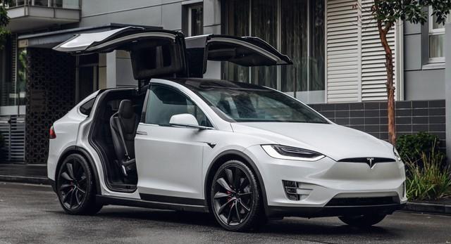 Tesla từ chối triệu hồi xe vì lỗi là do đường xấu và khách hàng dùng xe sai cách - Ảnh 1.
