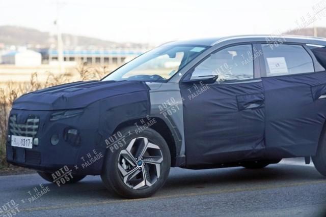 Hyundai Tucson đời mới lộ thêm ảnh từ trong ra ngoài: Cần số điện tử, màn hình kỹ thuật số lần đầu tiên xuất hiện, Honda CR-V cần dè chừng - Ảnh 4.