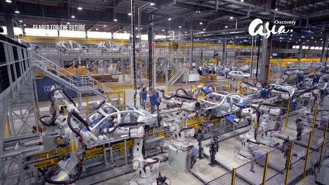 Discovery Asia làm chương trình về VinFast: Đây không phải một sản phẩm xào nấu từ các xe khác - Ảnh 3.