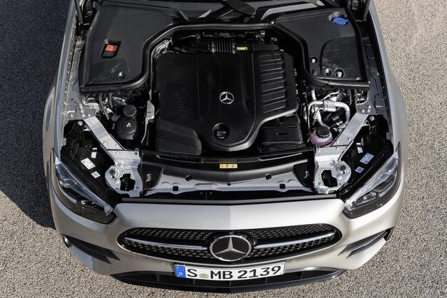 Mercedes-Benz E-Class 2021 ra mắt với thiết kế hiếu chiến và công nghệ hiện đại, tăng sức ép trước BMW 5-Series - Ảnh 9.