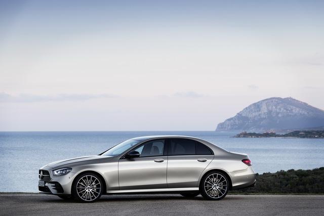 Mercedes-Benz E-Class 2021 ra mắt với thiết kế hiếu chiến và công nghệ hiện đại, tăng sức ép trước BMW 5-Series - Ảnh 3.