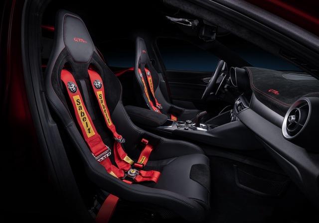 Nếu vẫn giữ nguyên thiết kế, BMW M3 không có tuổi với Alfa Romeo Giulia GTA! - Ảnh 6.