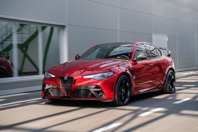 Nếu vẫn giữ nguyên thiết kế, BMW M3 không có tuổi với Alfa Romeo Giulia GTA! - Ảnh 2.