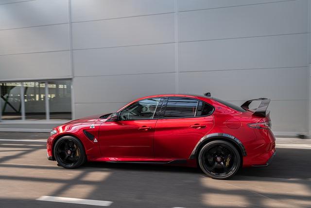 Nếu vẫn giữ nguyên thiết kế, BMW M3 không có tuổi với Alfa Romeo Giulia GTA! - Ảnh 4.
