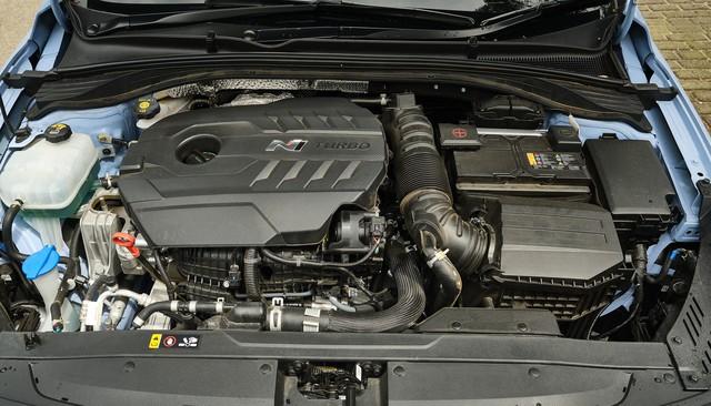 Những điểm cần biết về Hyundai Elantra N - Đối trọng của Honda Civic Type R - Ảnh 3.