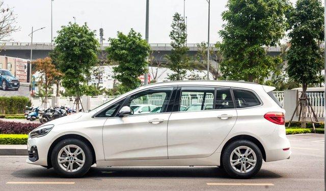 BMW 218i hạ giá kỷ lục còn dưới 1 tỷ đồng: MPV 7 chỗ Đức bạt ngàn trang bị chỉ ngang giá Toyota Innova - Ảnh 2.