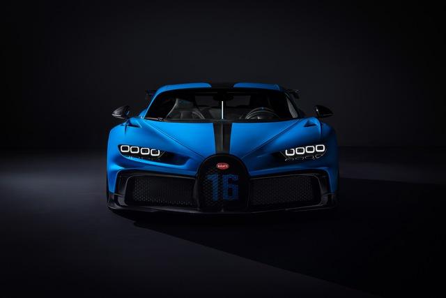 Soi siêu xe Bugatti Chiron Pur Sport qua ảnh, video mới - Ảnh 1.