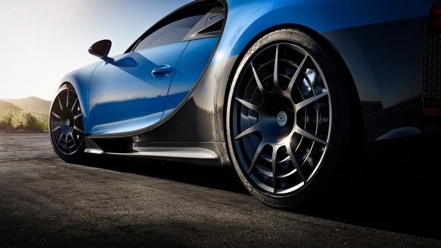 Soi siêu xe Bugatti Chiron Pur Sport qua ảnh, video mới - Ảnh 18.