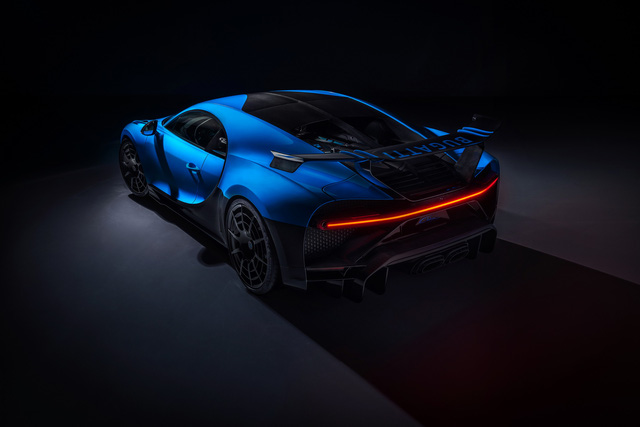 Soi siêu xe Bugatti Chiron Pur Sport qua ảnh, video mới - Ảnh 15.