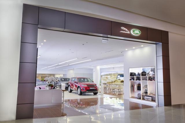 Jaguar Land Rover trưng dàn xe gần 30 tỷ tại Sài Gòn, ưu đãi hàng chục triệu đồng cho người mua - Ảnh 3.