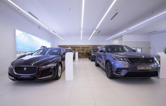 Jaguar Land Rover trưng dàn xe gần 30 tỷ tại Sài Gòn, ưu đãi hàng chục triệu đồng cho người mua - Ảnh 2.