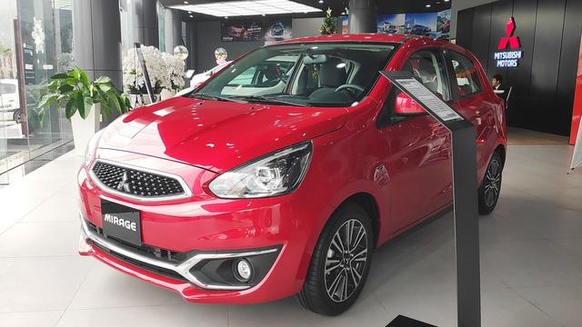 Mitsubishi Mirage và Attrage giảm giá sâu dọn kho tại đại lý, đón đầu bản nâng cấp 2020 về Việt Nam - Ảnh 1.