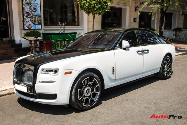 Đại gia Sài Gòn lột xác Rolls-Royce Ghost với phong cách lạ lẫm - Ảnh 1.