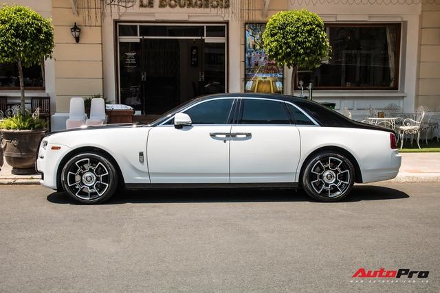 Đại gia Sài Gòn lột xác Rolls-Royce Ghost với phong cách lạ lẫm - Ảnh 4.