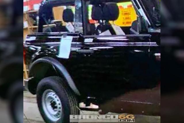 SUV địa hình như Mẹc G - Ford Bronco lộ ảnh phiên bản hoàn chỉnh đầu tiên - Ảnh 1.