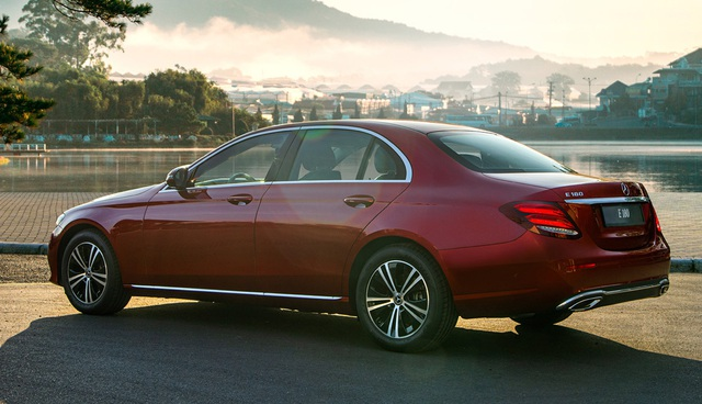 Mercedes-Benz E 180 giá hơn 2 tỷ đồng tại Việt Nam: Bình dân hoá' E-Class để làm dịch vụ - Ảnh 5.