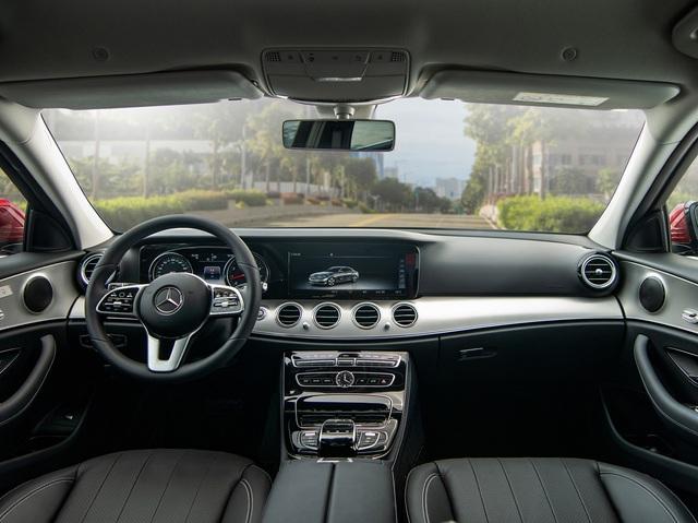 Mercedes-Benz E 180 giá hơn 2 tỷ đồng tại Việt Nam: Bình dân hoá' E-Class để làm dịch vụ - Ảnh 4.